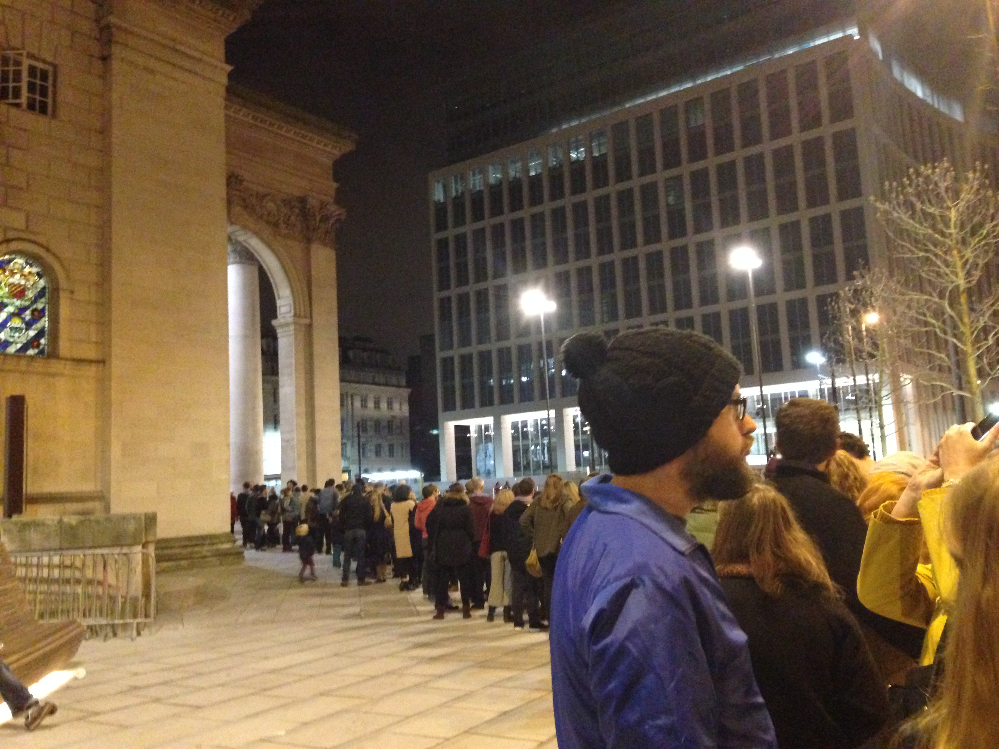 Queues to get into Manchester Central Library for Library Live event